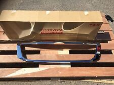 Toyota Hilux Chrome Genuine Grille Surround Came Of 2011 SR5