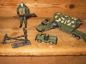 ARMY ACTION CAMOFLAGE MAN FUN PLAY FIGURE GUN TRUCK 2 PIECE LARGE LORRY FENCING