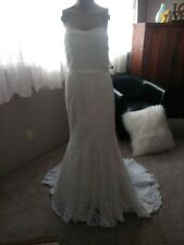 Wedding dress Size 10 lace,  strapless sweeping train. New with tag's. 'Galina'