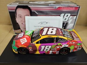 2018 Kyle Busch #18 M&M's Flavor Vote Autograph JGR 1:24 NASCAR Action MIB