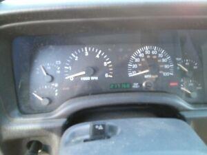 97-01 Jeep Cherokee XJ speedometer dash gauges instrument cluster