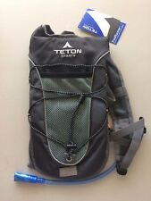 Teton Sports TrailRunner 2.0 Hydration Pack w/ Water Bladder Black & Grey New