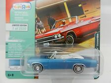 2018 Johnny Lightning *CLASSIC GOLD TOYS R US* Blue 1965 Chevy IMPALA CONVRT NIP