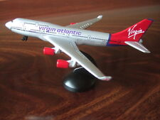 VERGINE Boeing 747 Modellino Auto con supporto - NUOVO in scatola Virgin