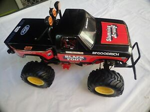 BLACKFOOT 2WD RC VEHICLE 1:10 SCALE BY TAMIYA #58058 (2)