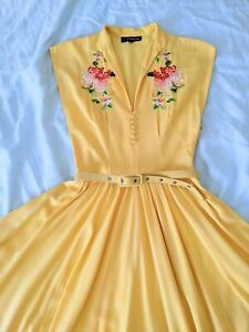 ☀️STUNNING☀️1940s Trashy Diva Embroided Vintage Yellow Dress Full Skirt size 2