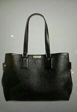 Burberry Large Clarbrgh- Signature Grain Tote