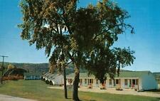 BURLINGTON, Vermont    THE CHECKERED HOUSE MOTEL    Roadside    1957 Postcard