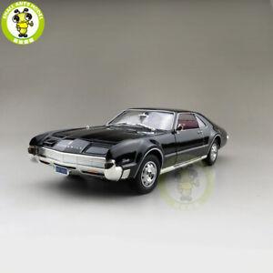 1/18 1966 OLDS MOBILE TORONADO Road Signature Diecast Model Car Toys Black