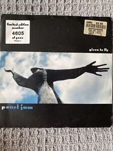 Pearl Jam Given To Fly vinyl 7 Limited Edition Only 5000 Copies