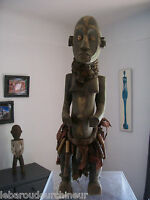 Ancienne statue africaine. Old african statue fang