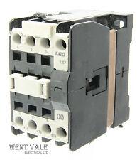 AEG ls7-00 910-302-547-81 - 25A 00 TRIPLE POLE CONTATTORE 240 V CA BOBINA un-used