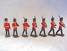 Lot de 7 soldats anglais  au défilé - Lead soldier Footguards