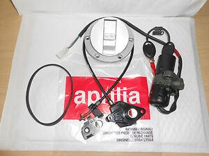 BRAND NEW GENUINE APRILIA RSV 1000 1998-2000 LOCK HARDWARE KIT AP8102621
