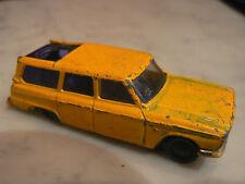 ancienne petite voiture miniature husky studebaker wagonaire 7,5 cm