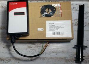 Honeywell CO2 Sensor and ControllerC7232B1006 - Duct - HVAC - RTU - Trane