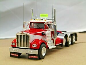 Dcp Custom red/white KW W900A daycab 4 axle heavyhaul tractor 1/64