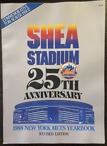 1988 New York Mets Yearbook Revised Edition near mint condition
