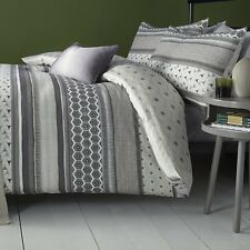 Fusion Retrace Stripe Geometric Design Duvet Cover Set