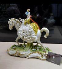 Porcelaine de Capodimonte, Promenade à cheval Robe Dentelle,Tulle porcelaine