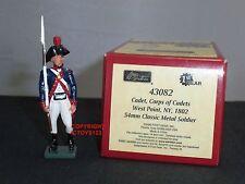 BRITAINS 43082 BLUECOATS US WEST POINT CADET 1802 METAL TOY SOLDIER FIGURE