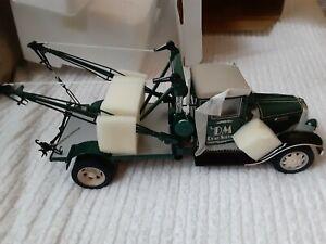 NEW - Danbury Mint 1:24 1930 International Wrecker Die Cast A5 Tow Truck Brand N