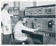 1959 Vintage Electronic Equipment POD Laboratory 1950s Press Photo