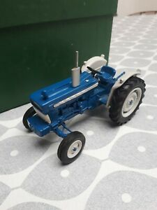 RARE EARLY DBP FORD 5000 SUPER MAJOR TRACTOR BASED ON BRITAINS HIGH DETAIL RARE