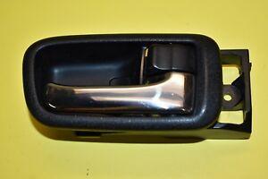 01 02 03 04 05 Lexus IS300 Interior Door Handle Right Passenger Front OEM Black