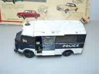 DINKY TOYS  ANCIEN CITROËN CURRUS CAR DE POLICE référence 566