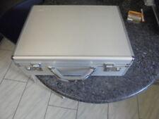 belle valise collector james bond