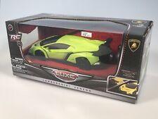 Lamborghini Veneno LUXE 1:24 Radio Control RC Car w/ Working Lights Lime Green Z