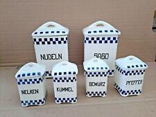 S11-   6 Teile Vorratsbehälter mit Deckel alt Keramik - blau - weiß Würfelmuster