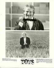Robin Williams face close up in Toys 1992 original movie photo 9285