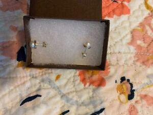 silpada silver and pearl stud earrings