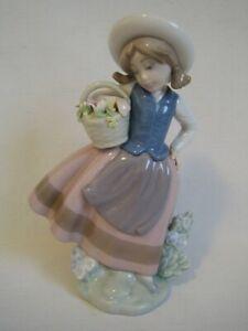 Porzellan Figur Lladro Spanien Mädchen mit Blumenkorb unbeschädigt
