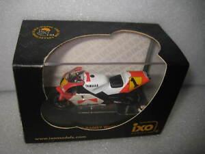 1:24 IXO YAMAHA 500 WAYNE RAINEY  WORLD CHAMPION 1991 MOTOR BIKE  CLB001