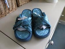 Avon ladies mule slippers size 6 NWT