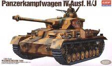 1/35 Panzerkampfwagen IV Ausf. H/J Academy MODEL KIT 1328
