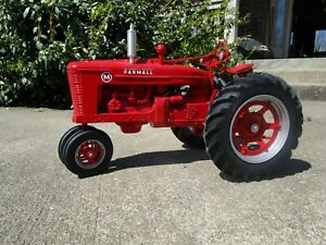 Ertl Farmall M 1/8 Scale Signed By Joe Ertl (1995 Farm Progress Show) Preowned.