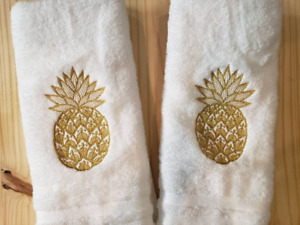 METALLIC GOLD PINEAPPLE HAND TOWEL SET CUSTOM EMBROIDERED