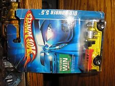NICE 1/64 Hot Wheels Old Number 5.5 Vintage Fire Truck Yellow