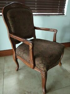Wooden like chair