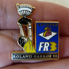 PIN'S SPORT TENNIS ROLAND GARROS 92 ANTENNE 2 FR3 ZAMAC DORE DECAT PARIS
