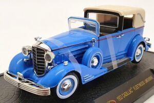 Signature 1/32 Scale Model Car 32366 - 1933 Cadillac Fleetwood Limo - Blue