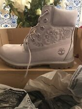 BRAND NEW ladies Timberlands Size 7