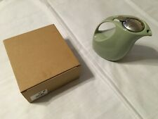 BEEHOUSE Ceramic Tea Pot Green with Infuser and Handle NEW with box