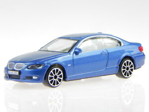 BMW e92 3er Coupe 335i blue diecast model car 30137 Bburago 1/43