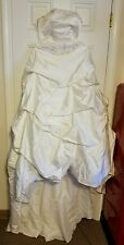 Gorgeous Wedding Dress w/Beaded & Embroidered, Pleats, Ruffles Size 12 ~LQQK!