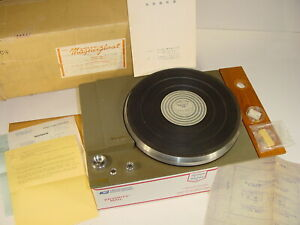 Vintage Early TEIC TEAC Magnefloat MF-102 Belt Drive 2-Speed Turntable in Box